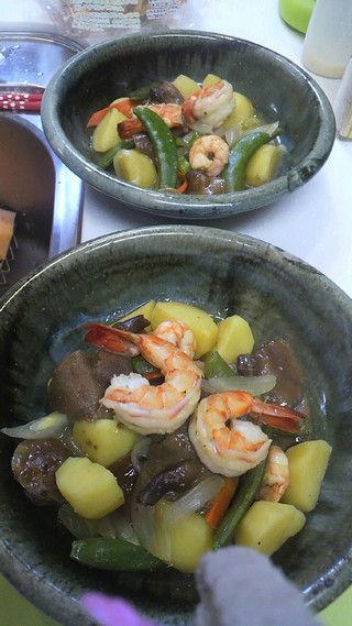 エビと ハナイグチ ジャガイモの煮込み