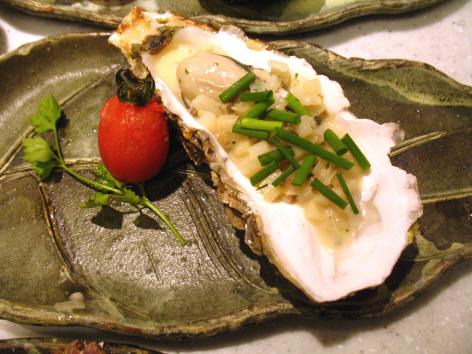 牡蠣の温製オードブル 白ねぎとじゃが芋のブリュノソース