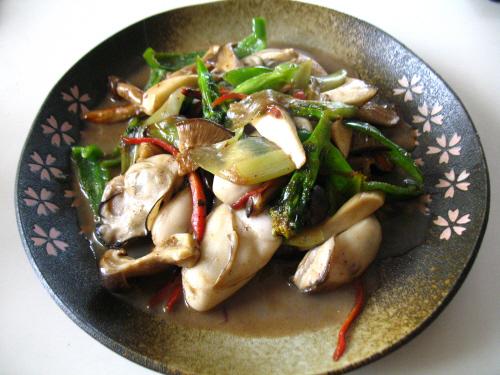 牡蠣と壱岐の野菜の炒め物