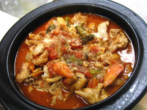 ハナビラタケと鶏肉のトマトソース煮込み