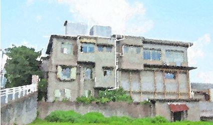 「陸に浮かぶ軍艦みたい」な昭和レトロ建築