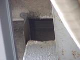 ベランダの上屋根の隙間