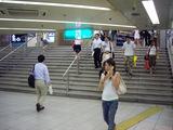 阪神側階段(コンコース西側階段へ)