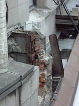 壊された壁