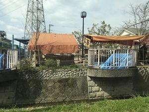 玉串川沿いの桜並木の途中の屋台2019年