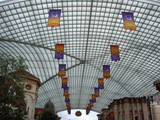 USJエントランス大屋根のハロウィンの飾り