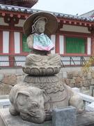象の背に座られた菩薩像