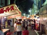 瓢箪山稲荷神社夏祭りの夜店の風景