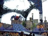 大きな蜘蛛の舞台飾り