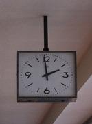 北休憩所の鉄道時計