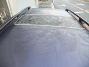 霜が降りだした車の天井