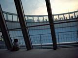 梅田スカイビル40Fから空中庭園を臨む