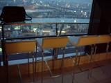 北側に面したテーブル席