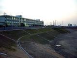 恩智川治水緑地とみどり清朋高校(旧池島高校)