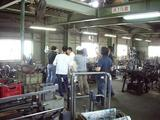 柳瀬製作所工場内の取材風景