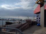 海遊館の裏側と停泊している船