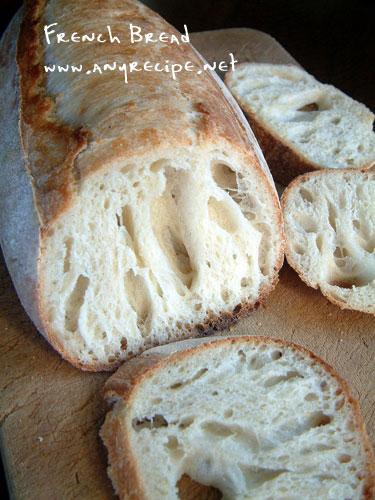 気泡のあるフランスパン