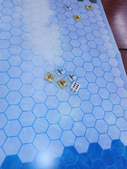 T2 01号機が敵機3号機を撃墜!