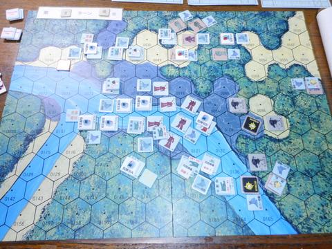 T2 北辺に集中し、反撃を試みるジオン軍