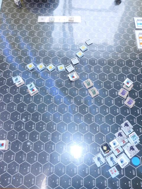 T1 ジオン軍が間隙を縫って接近攻撃