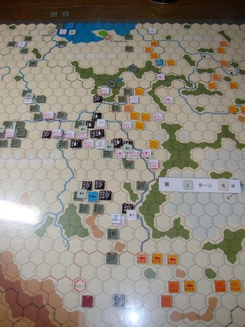 T5D 一手早く、ワルシャワを孤立化