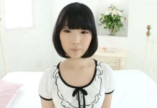【ロリ 美少女】まだ毛も生えそろってない色白で幼児体型の妹系ロリ少女を調教、セックスを教えこむ