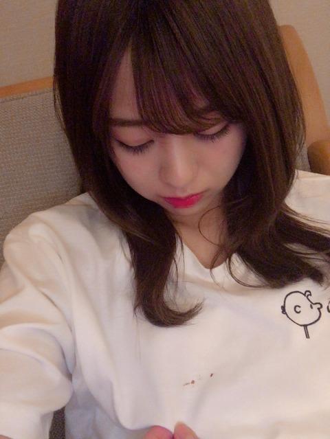 【AKB48】篠崎彩奈「駅でわざとぶつかられて腕めっちゃ痛い。謝りもしないで睨まれた、おばさん怖い」