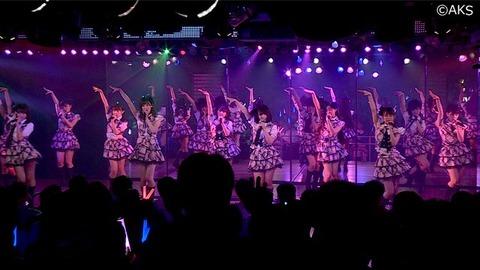 【AKB48】劇場公演に初めて行くから持っていくもの教えてくれ