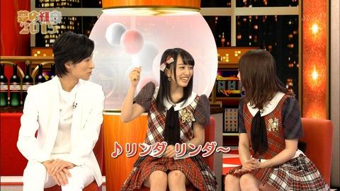 【キャプ画像あり】NHK「夢の紅白2015」でせいいっぱいボケるみーおんwww【AKB48・向井地美音】
