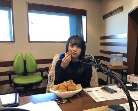 【AKB48】みーおんが食べる揚げパンの量をご覧下さい【向井地美音】
