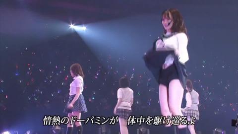 【朗報】NMB【GIFあり】NMB48和田海佑さんが観客にパンツを見せるパフォーマンスwwwwww