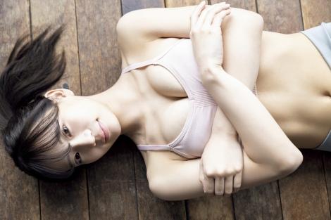"【NMB48】""スーパールーキー""和田海佑、スポーツブラから圧巻のバストラインあらわ"