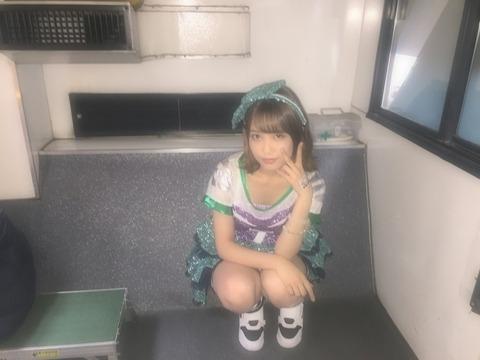 【AKB48】れなっちさん、あなたブラジャー見えてますよ(´・ω・`)【加藤玲奈】