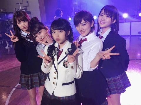 【AKB48】向井地美音、小嶋真子、高橋朱里、岡田奈々の制服姿も既にコスプレなんだよなぁ・・・