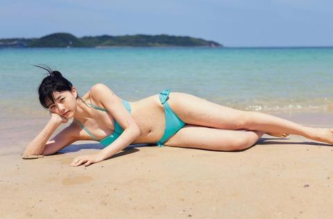 【画像有】STU48瀧野由美子の水着ビキニが至高の出来
