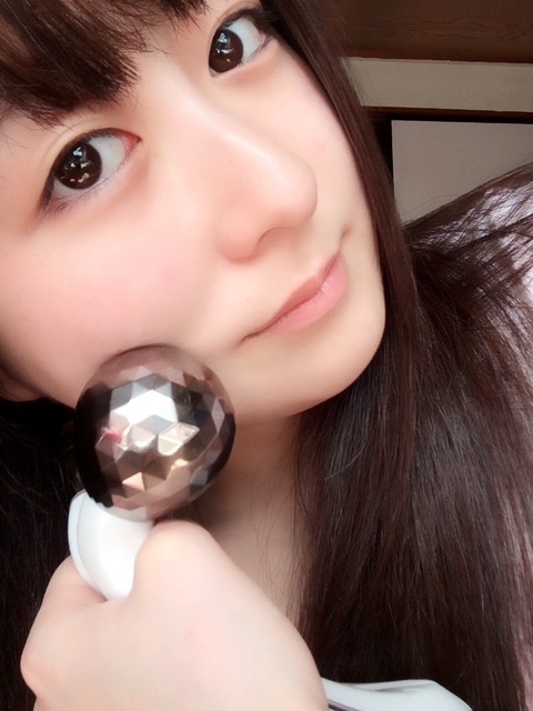 【AKB48】いずりな、美顔器を毎日愛用していた!!!【伊豆田莉奈】