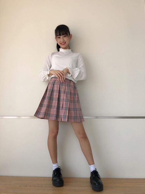 【AKB48】チーム8徳永羚海ちゃん(13歳)のお〇ぱいをご覧ください