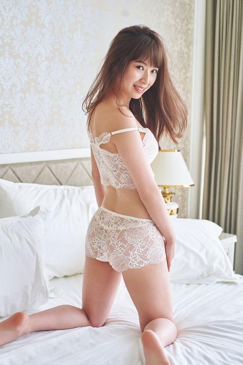 【SKE48】高柳明音、初ランジェリーカット解禁で美ボディ披露