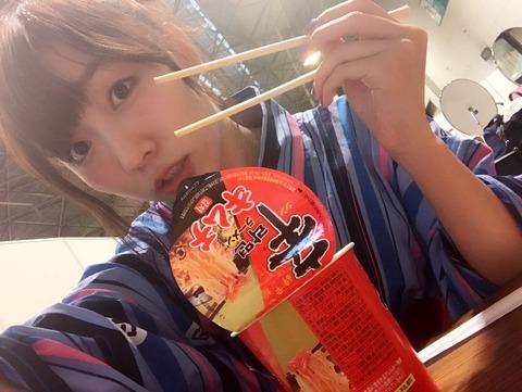 SKE48の楽屋に大量の辛ラーメンの差し入れがキターwwwwww