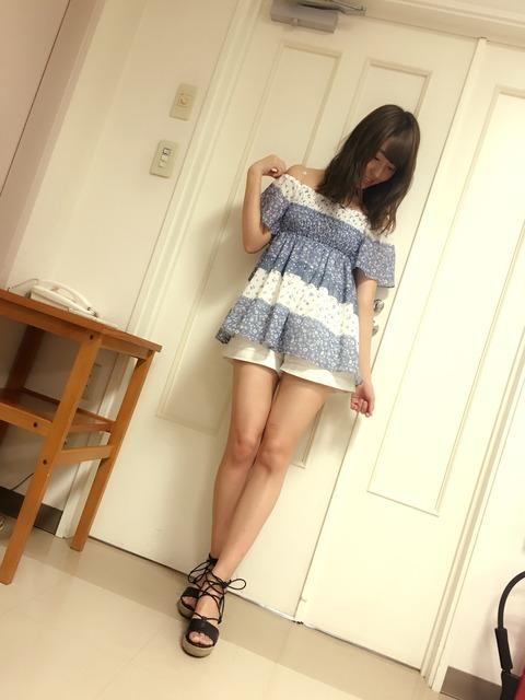 【NMB48】れいにゃんの生脚美脚が強調された私服がいい感じ【藤江れいな】