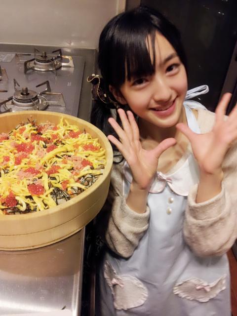 める将、回転寿司35皿をペロリ