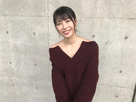 【AKB48】握手で苦戦する総監督横山由依、エッチな私服で頑張ってる件