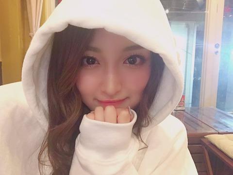 【元AKB48】野村奈央「ねえみんな白いパーカーなんて初めて買ったんだけどどう?」