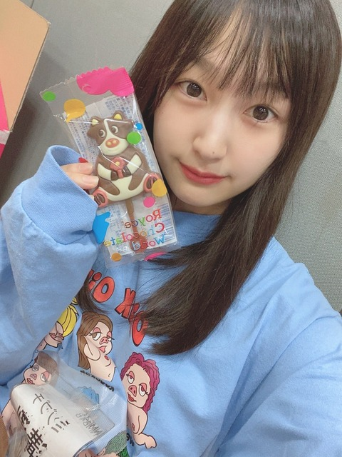 【NMB48】溝渕麻莉亜が乳首丸出しの画像を投稿wwwwww