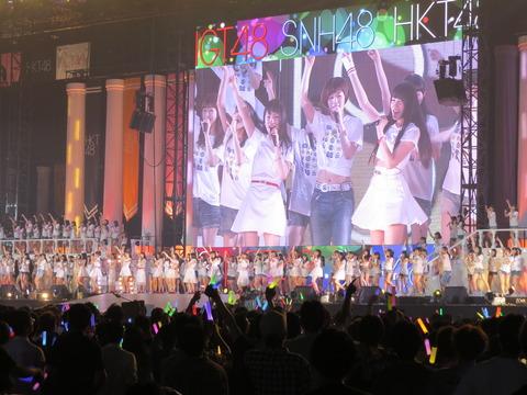 【AKB48】何故コンサートがつまらないのか?原因はセトリ?演出?煽り?