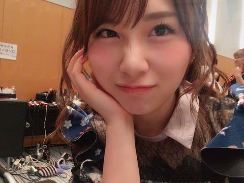 【AKB48】こじまこ、れなっち、みーおんの事務所が決まったのに何故高橋朱里の事務所が決まらないのか?
