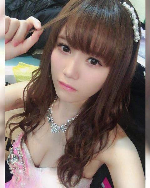 【キャバすか学園】こみはるのドレスからヌーブラがめっちゃハミ出してるんだが【AKB48・込山榛香】