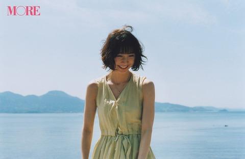 【元AKB48】篠田麻里子、ファッション誌「MORE」の専属モデルを卒業