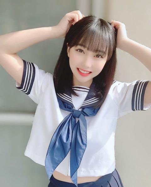 【HKT48】田中美久の19歳のセーラー服ショットが話題「全然、現役でいける」