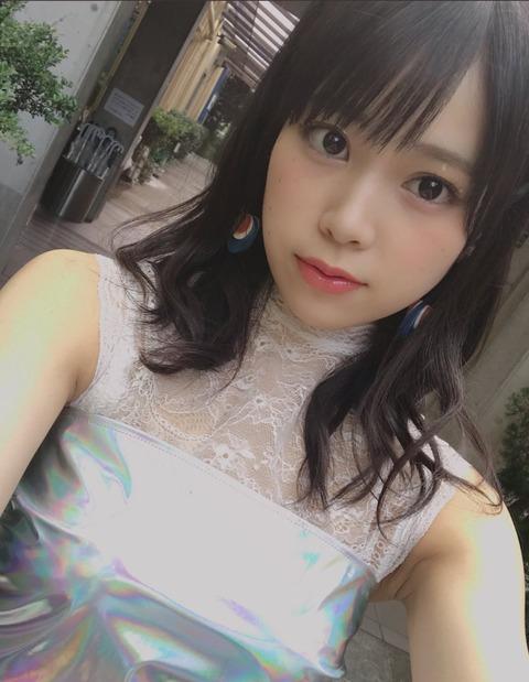 【AKB48】吉川七瀬って笑ってる時はあれだけど、真顔だとめっちゃキレイな顔してたんだね